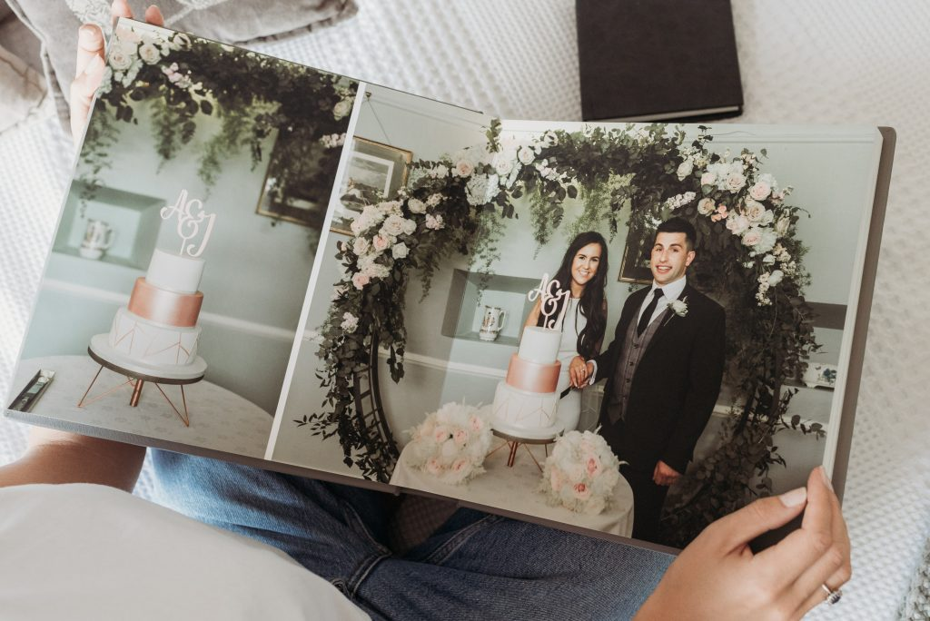 wedding album, folio fine art album,- love and light photography ni -